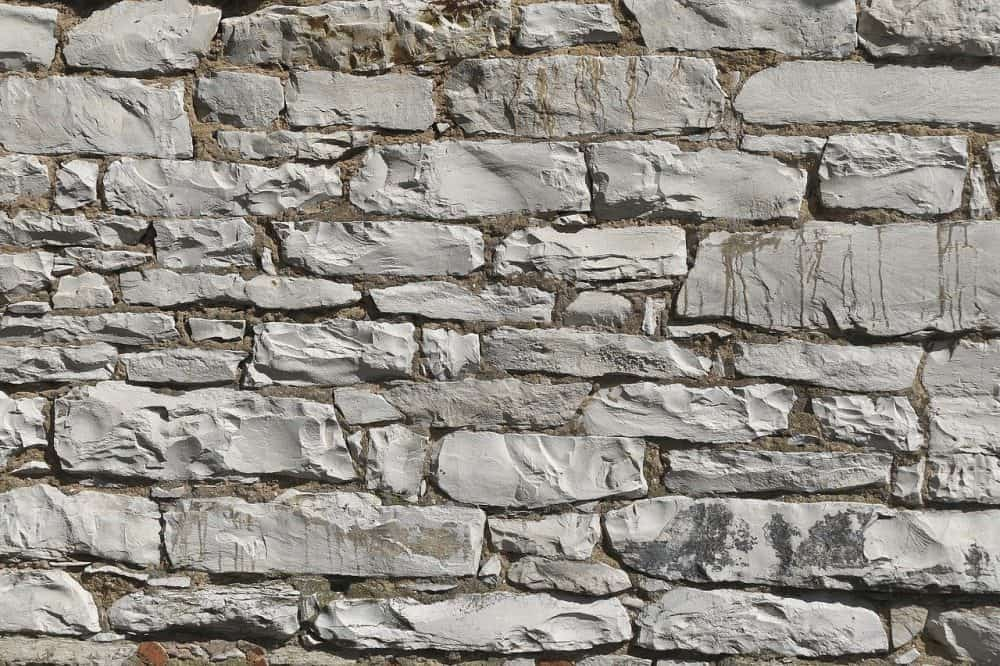 limestone that is used to make lawn lime