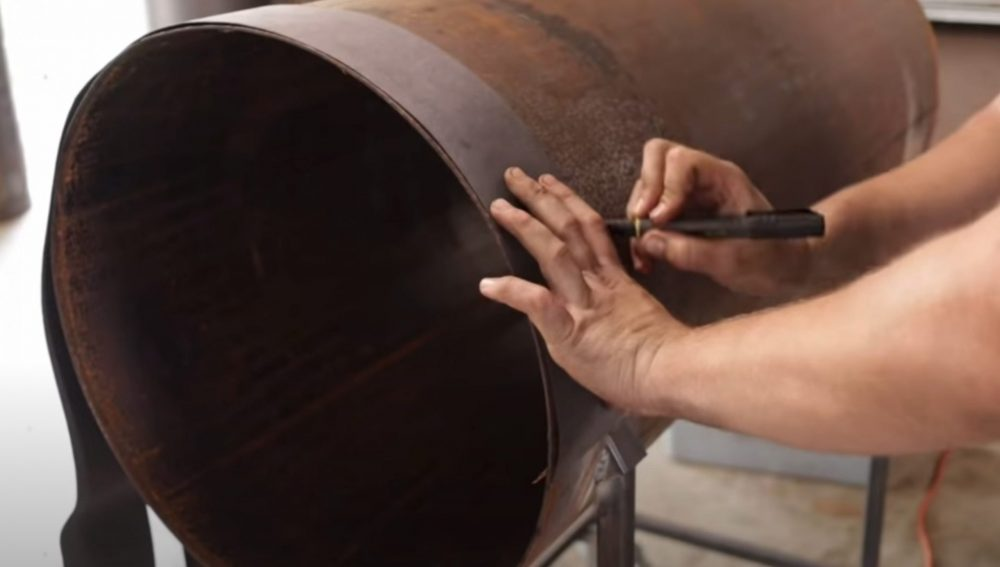 tracing where to put the doors on an oil tank smoker