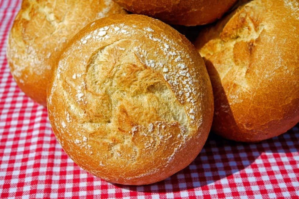 Rolls baked in an electric roaster