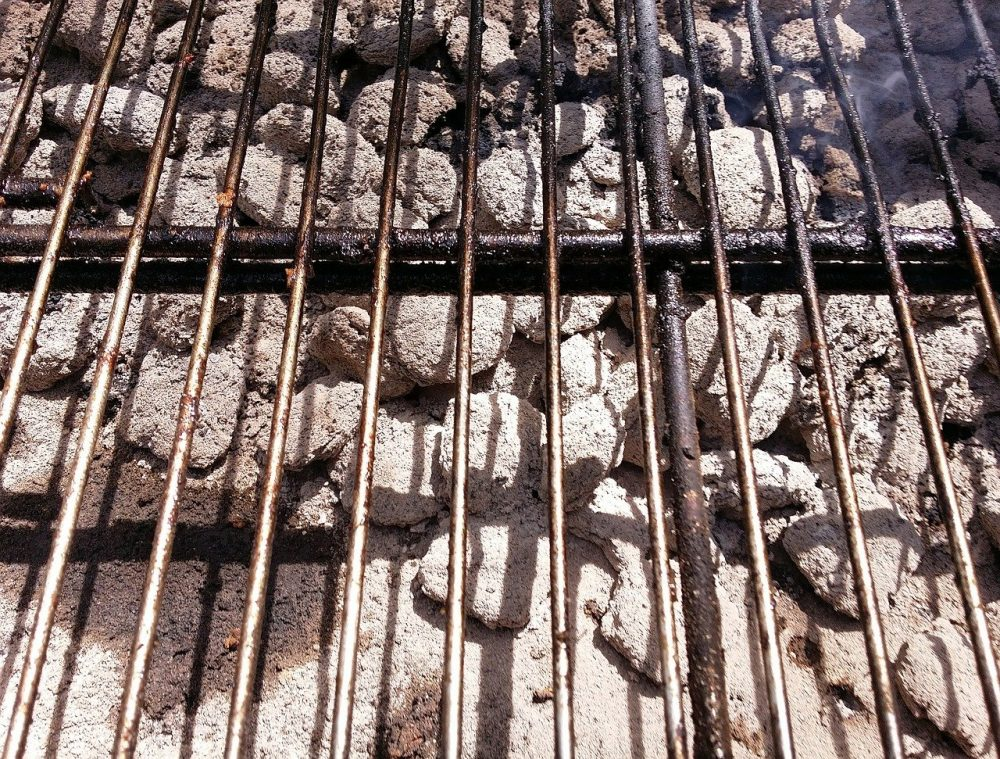 rusty grill grates