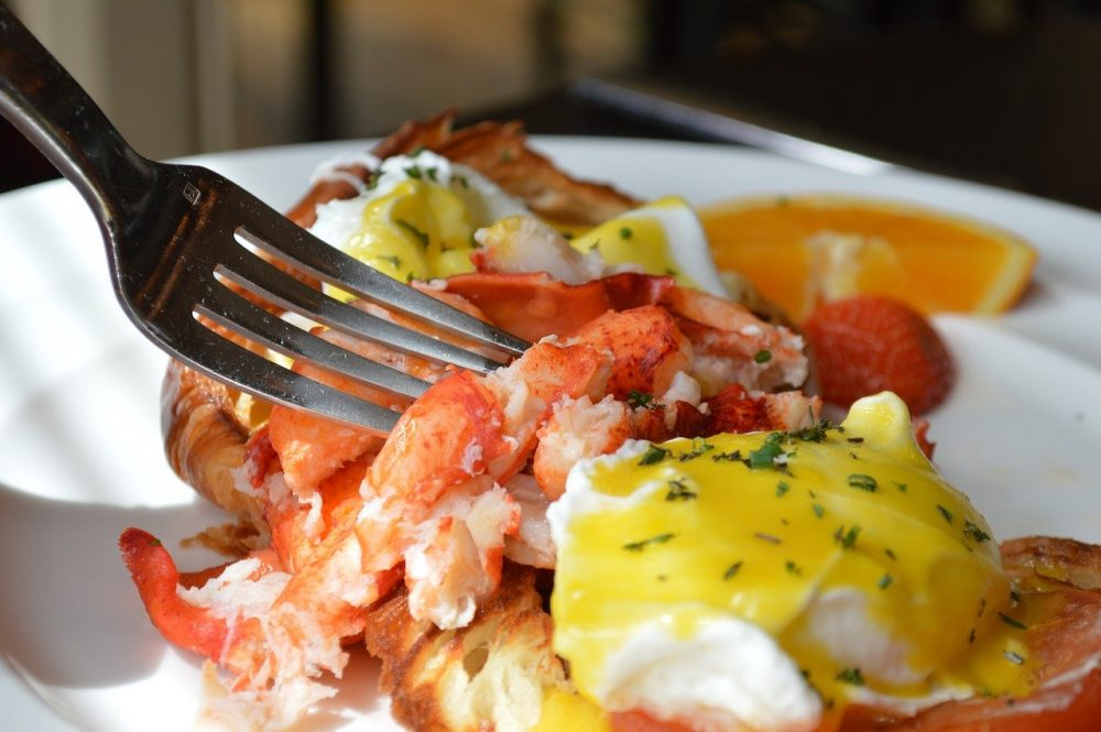 smoked lobster benedict