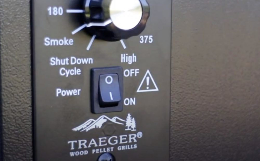 """traeger pellet grill dial set to """"smoke"""" when starting up"""