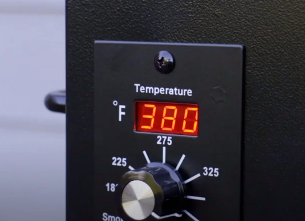 setting a high temperature on a traeger pellet grill for steak