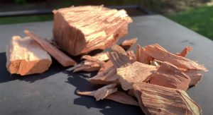 wood chips and wood chunks for smoking